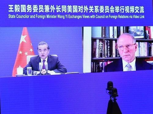 王毅:中国无意与美国竞争