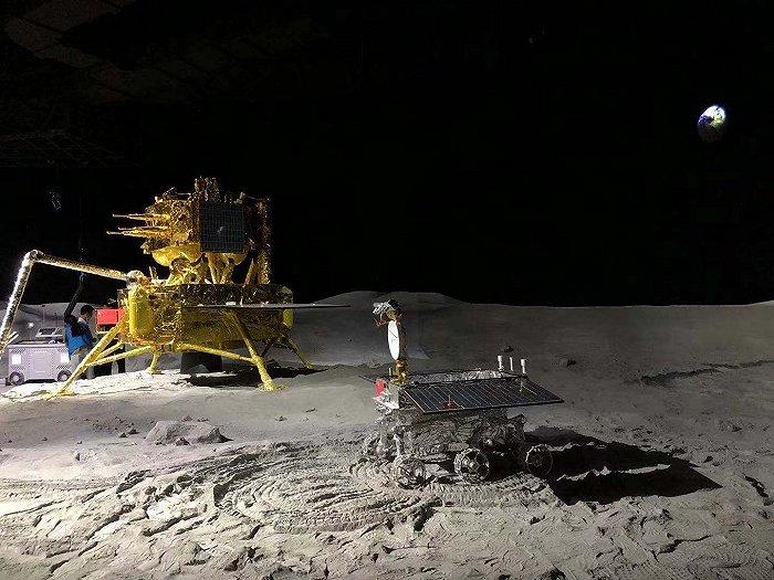 上海天文馆开馆,嫦娥五号带回的007号月壤样品正式入驻